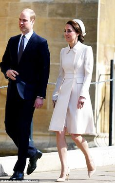 Duchess of Cambridge at Easter Sunday church service in Windsor #dailymail