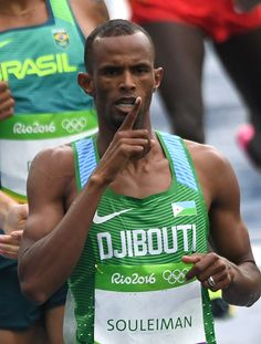 #RIO2016 Djibouti's Ayanleh Souleiman competes in the Men's 800m Round 1 heat during the athletics event at the Rio 2016 Olympic Games at the Olympic Stadium...