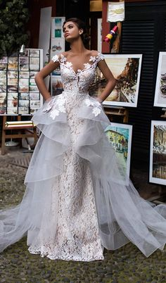 "Strapless Wedding Dresses Tarik Ediz Wedding Dresses 2019 - The White Bridal Collection - Tarik Ediz Wedding Dress 2019 ""White"" Bridal Collection is as romantic as it can be and features the perfect dose of regal vibes. Dresses Elegant, Unique Dresses, Beautiful Dresses, Gorgeous Wedding Dress, Dream Wedding Dresses, Bridal Dresses, Lace Wedding, Dubai Wedding Dress, Diamond Wedding Dress"