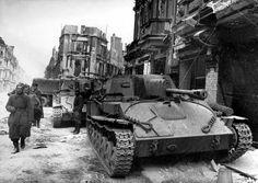 LIght self propelled guns SU-76M in Belin / Lekkie działa samobieżne SU-76M w Berlinie