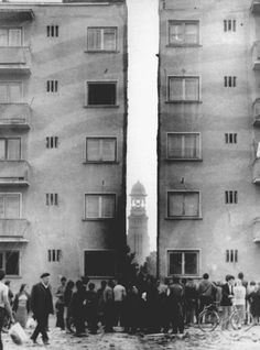 Moving a 7,600 ton apartment building to create a boulevard in a Romanian town, 1987