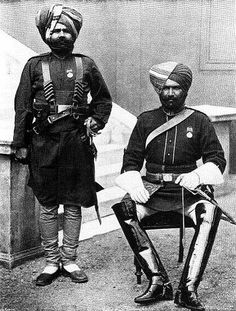 Fantastic picture of two very distinguished Sikhs from the 45th Rattery's Sikh Regiment 1900