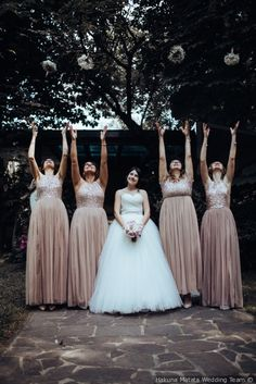 Look delle damigelle di matrimonio #matrimonio #nozze #sposi #sposa #abitodacerimonia #damigelle #wedding #lookwedding #bridesmaid #lookbridesmaid Trendy Fashion, Fashion Outfits, The Thing Is, Marry You, Bridesmaid Dresses, Wedding Dresses, Tulle, Flower Girl Dresses, Pretty