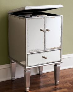 Merveilleux Glam File Box Storage