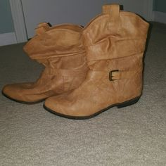 Super cute boots new without tags.  Old navy sz 9 Never worn  ☆Open to reasonable offers ☆ Old Navy Shoes Ankle Boots & Booties