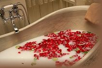 Молочко для ванны Жасмин-Роза