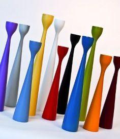 Freemover lysestaker i trefarger, hvitt og svart i ulike høyder.