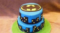 Le torte di compleanno per bambini con principesse e supereroi