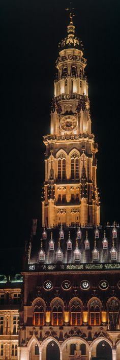 Mots clés : france, verticale, nuit, monument