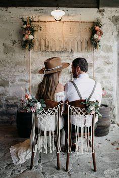 Rustic inspirations for the boho wedding - Hochzeitsdeko - Classic Wedding Dress, Boho Wedding Dress, Boho Gown, Wedding Dresses, Free Wedding, Trendy Wedding, Rustic Wedding, Wedding Blog, Bohemian Chic Weddings