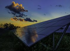 Making a choice to go environmentally friendly by changing over to solar energy is definitely a good one. Solar panel technology is now being seen as a solution to the worlds energy demands. Solar Energy Panels, Solar Panels For Home, Best Solar Panels, Solar Energy System, Solar Power, Alternative Energy Sources, Diy Solar, Global Warming, Renewable Energy