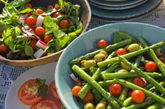For the third year in a row, the DASH Diet Eating Plan has been named the best overall diet by U. News & World Report. Dash Eating Plan, Dash Diet Plan, Eating Plans, Diet Plans, Healthy Foods To Eat, Healthy Eating, Healthy Recipes, Easy Recipes, Healthiest Foods