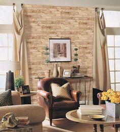 Revestimentos que imitam a textura do tijolo aparente são uma boa ideia para quem por questões de ordem financeira ou estrutural, não pode se dar ao luxo de subir uma parede com eles.
