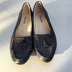 BALLY SOFT NAVY LEATHER LOAFERS SHOES 7 M PREOWNED CLEAN GOOD CONDITION. ALL LEATHER BALLY LOAFERS MADE IN ITALY SIZE 7 M BALLY Shoes Flats & Loafers