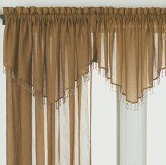 En el presente post se habla mencionan algunos tips para decorar al estilo rústico los ambientes del hogar y los modelos de cortinas rústicas explicados.
