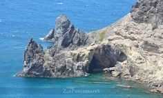 One of the coolest dive spots in the Caribbean as seen from the cliffs above. #saba #sabaisland #dutchcaribbean #caribbeanisland #tropical #island #Caribbean #hiking #trails #travel #adventure #explore #diving #scubadiving #scuba #padi #ocean #reefs #shelves #pinnacles #caves #cliffs #geography #coastal #shoreline #rocky #zephotography by z_e_photography