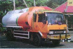 MITSUBISHI tanker truck