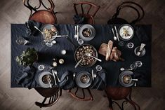 INSPIRATION: SETTING THE Table for Thanksgiving. I love the darker colors