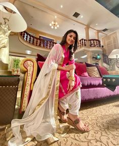 Girl Pictures, Girl Photos, Bollywood Couples, Punjabi Salwar Suits, Cute Baby Dolls, Indian Gowns Dresses, Stylish Girls Photos, Cute Girl Photo, Cute Actors
