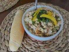 Jarní vajíčkový salát podle ČSN 50152 | recept. Dnes je móda retro. V diskuzních fórech se vzpomíná na dobu minulou, pr Grains, Tacos, Ethnic Recipes, Food, Retro, Essen, Meals, Retro Illustration, Seeds