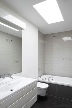 Sophisticated Modern Semi Minimalist Residence Brings Out Bright View: Grey And White Bathroom Design ~ pofidik.com