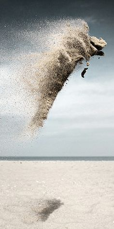 Photographer Elevates Throwing Sand To Art. Who would've thought...?