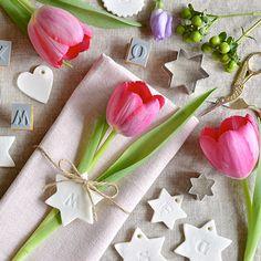 Segnaposto di primavera con tulipani e pasta di bicarbonato e maizena #decorazione #tavola #primavera #diy