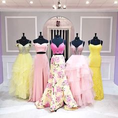 Come see the sunshine this week! 😍💛 We have the perfect dress for you! Cute Prom Dresses, Gala Dresses, Pretty Dresses, Beautiful Dresses, Formal Dresses, Robes Quinceanera, School Dance Dresses, Bridesmaid Dress Colors, Quinceanera