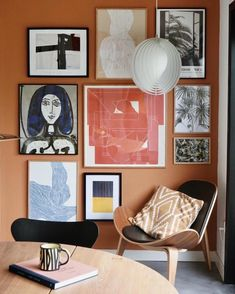 An abstract art gallery wall on a desert orange colored-wall. An abstract art gallery wall on a desert orange colored-wall. Black and White RanunculuGallery wallLarge Wall Art Abstract C Inspiration Wall, Interior Inspiration, Unique Wall Decor, Scandinavian Home, Home And Living, Danish Living Room, Modern Living, Home Art, Interior Decorating