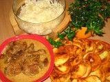 VEPŘOVÉ NA PIVĚ BRAMBOROVÉ PLACIČKY ZELNÝ SALÁT.....   Mimibazar.cz Thai Red Curry, Meat, Chicken, Ethnic Recipes, Food, Essen, Meals, Yemek, Eten