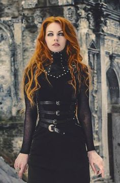 WOW neck corset with harness = heaven!!! dark-beauties: Dark beauty http://dark-beauties.tumblr.com/