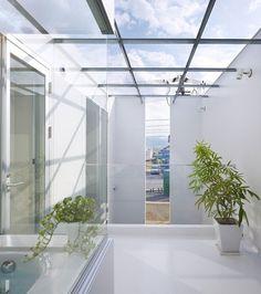 House in Masaki by Hayato Komatsu Architects.