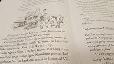 V tlačiarni… (Nikitos ir jo draugų nuotykiai, písmo Jannon Antiqua Pro, ilustrácie Mária Ždan.)