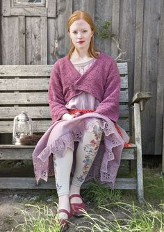 Wrap Cardigan in recycled cotton Charming jacket in recycled cotton. Hålstickad…