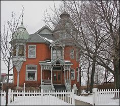 Samia Petrolia areas of Onterio, Canada Anglican Church, Second Empire, Romanesque, Queen Anne, Victorian Homes, Old Houses, Ontario, Building A House, Sweet Home