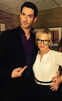 Rachael Harris, Tom Ellis. Lucifer.