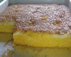 Seu dia merece começar com um bolo de milharina cremoso. O que você acha, hein? - Aprenda a preparar essa maravilhosa receita de Bolo de milharina cremoso