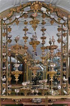 The Green Vaults Museum Dresden Silver Room, Green Diamond, Hidden Treasures, Wall Brackets, Crown Jewels, Vaulting, Green Building, Chinoiserie, Art Decor