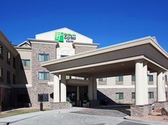 Los Alamos (NM) Holiday Inn Express and Suites Los Alamos Entrada Park United States, North America Set in a prime location of Los Alamos (NM), Holiday Inn Express and Suites Los Alamos Entrada puts everything the city has to offer just outside your doorstep. Featuring a complete list of amenities, guests will find their stay at the property a comfortable one. All the necessary facilities, including free Wi-Fi in all rooms, facilities for disabled guests, BBQ facilities, newsp...