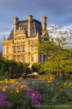 Musee du Louvre Jardin des Tuileries Paris France