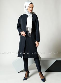 islamische kleidung fuer frauen mymodestystyle.com besuchen sie unsere shop #hijab #abayas #tuekische kleider #abendleider #islamischekleidung  Snap Topcoat - Navy Blue - Refka - <p>Fabric Info:</p> <p>64% Polyester</p> <p>31% Viscose</p> <p>5% Elastane</p> <br> <p>Full Lined</p> <p>Weight: 0.854 kg</p> <p>Measures of 38 size:</p> <p>Height: 104 cm</p> <p>Bust: 110 cm</p> <p>Waist: 108 cm</p> <p>Hips: 112 cm</p> - SKU: 230735. Buy now at…