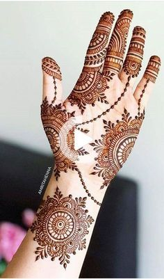 Henna Hand Designs, Mehndi Designs Finger, Mehndi Designs Book, Stylish Mehndi Designs, Mehndi Designs For Girls, Mehndi Designs For Beginners, Mehndi Design Photos, Wedding Mehndi Designs, Simple Arabic Mehndi Designs
