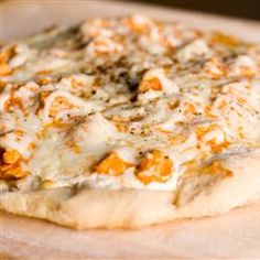 """Buffalo Style Chicken Pizza 
