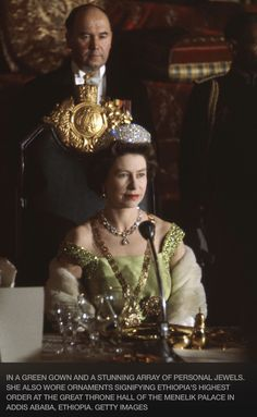 Rare Photos of Queen Elizabeth II. Love this picture for Queen Elizabeth II. Die Queen, Hm The Queen, Royal Queen, Her Majesty The Queen, Save The Queen, Queen Liz, Reine Victoria, Queen Victoria, Lady Diana