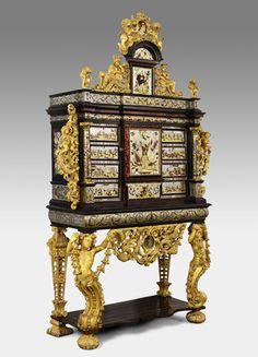 Просмотр исходного изображенияКабинета с гербами короля Филиппа V Испании , ок. 1701-1713