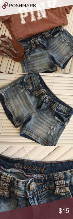 Maurice's Shorts Grab your summer clothing before the prices go up EUC Maurices Shorts Jean Shorts