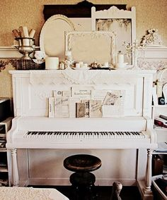 Like the dark stool with the white piano