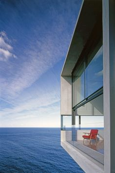 Cliff House Architecture Inspired by Modern Picasso Art by Australian architects Durbach Block Jaggers Modern Architecture House, Modern House Design, Amazing Architecture, Interior Architecture, Architects Sydney, Design Exterior, Appartement Design, Cliff House, House 2