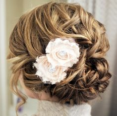 Here is today's top featured collection of 28 super elegant wedding hairstyle inspiration for you to get inspired. Happy Pinning!