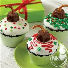 #Holiday Ornament #Cupcakes from Pillsbury® Baking